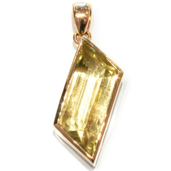 Green Aquamarine set in 18 Ct Gold Pendant