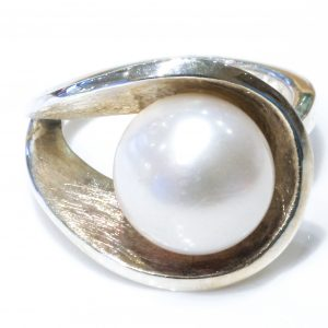 Pearl and Sterling Silver Handmade Ring